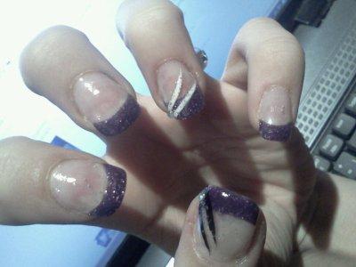 Ongle gel french violette pailette deco liner blan noir et paillette strass blog de - Deco strass ongle ...